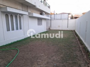 700 Squar Yard Commercial Home Ground Floor
