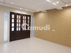 10 Marla Brand New House For Rent In Outstanding Location At Royal Orchard