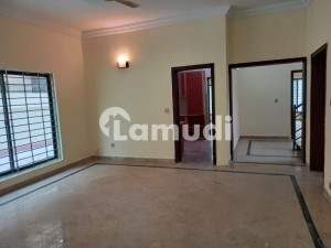 Luxuary house on prime location available for rent in islamabad