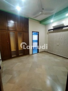 10 Marla House Available For Rant Ideal Location Dha Phase 1