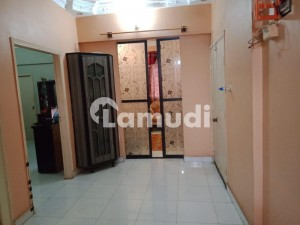 Second Floor Portion In Good Condition For Sale At Gulshan Bungalows Gulistan E Jauhar