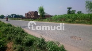Malakwal Commercial Plot Sized 6750  Square Feet Is Available