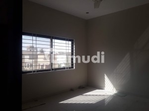 2520  Square Feet Upper Portion Is Available For Rent In Clifton