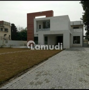 2000 Square Yards Brand New Beautiful Location House For Rent