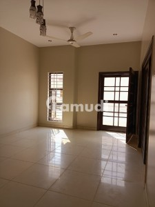 2250  Square Feet Upper Portion In Clifton For Rent