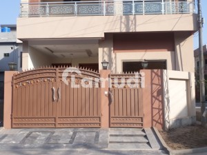 In Park View Villas Corner  House For Sale Sized 1125  Square Feet
