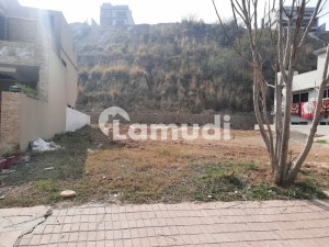 7 Marla plot for sale in Usman Block Bahria Town Phase 8