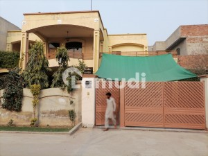 In Saeed Colony House For Sale Sized 20 Marla