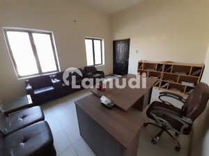 Office Of 9000  Square Feet In Amin Town Is Available