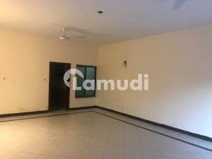 Three Bed Rooms Upper Portion Available For Rent At G-6/4 Islamabad
