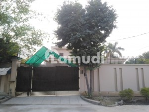 9000  Square Feet House For Rent In Township