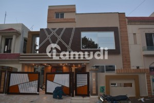 Vv I P Facing Park 10 Marla House For Sale In Overseas B Bahria Town Lahore