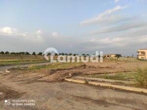 10 MARLA PLOT FOR SALE PLOT NUMBER 381 T BLOCK AVAILABLE IN CHEAP PRICES