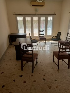Bungalow For Rent Hill Top Single Storey 500 Yard 2 Bedroom Available