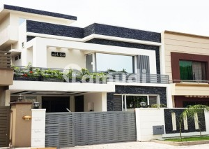 Never Saw Before 10 Marla 5 Beds Cottage Available For Sale In Bahria Town