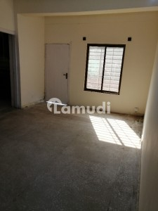 1050  Square Feet Flat In G-10