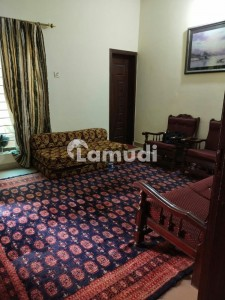 Shalimar Colony 5 Marla Double Storey House For Rent