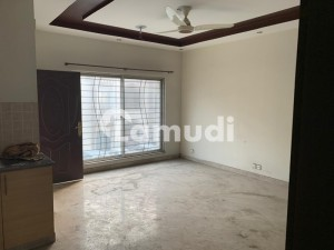 5 Marla Flat For Rent