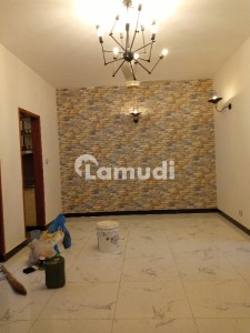 Like New Bungalow Facing 2 Bedroom Apartment Available For Rent Close To Saba Avenue