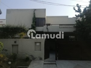 1 Kanal House Available At Cavalry Ground Consisting Of 5 Beds At 525 Lac