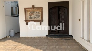 Limited Time Offer 14 Marla Brand New House Near To Park Available For Rent