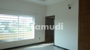House Of 1000 Square Yards For Sale In F-11