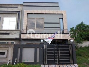 Good 5 Marla House For Sale In Paragon City