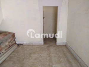 Good 1089  Square Feet Flat For Sale In Bhutta Road