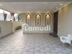 10 Marla Bungalow For Sale At Prime Location Hot Offer