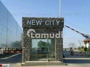 Main Double Road Commercial Plot For Sale In New City