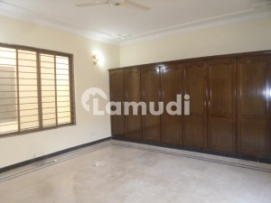 Flat Of 700 Square Feet In Faisal Hills For Sale
