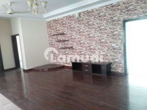 01 Kanal House Is Available For Rent