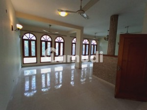 Well Maintain 4 Beds Beautiful House For Rent In F-8