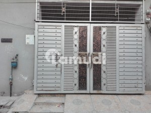 In Allama Iqbal Town Upper Portion For Rent Sized 5 Marla