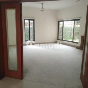 F6 Prime Location House On 777 Sqyd Available For Rent