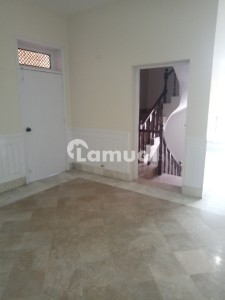 1 Kanal Upper Portion 3 Bed Attached Bath Tv Lounge Drawing Kitchen Store Cars Parking