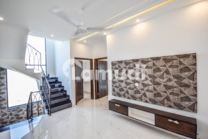 5 MARLA BRAND NEW BEAUTIFUL LAVISH HOUSE FOR SALE IN DHA 9 TOWN