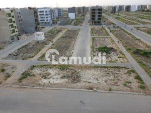 200 Yards Plot Available For Sale In Murtaza Commercial Phase Viii
