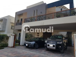 House Of 4500  Square Feet Is Available For Sale