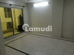 1500  Square Feet Flat Available For Rent In D-17