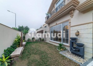 PRIME LOCATION 70 FEET ROAD BRAND NEW HOUSE NEAR PARK AND MOSQUE