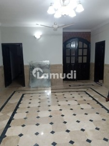 355 Sq Yards Ground Portion For Rent In G9