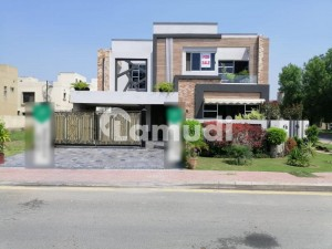 1 KANAL BEAUTIFUL HOUSE FOR SALE IN JASMINE BLOCK SECTOR C BAHRIA TOWN LAHORE