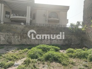 Building Sized 9675  Square Feet Is Available For Sale In Gujrat Bypass
