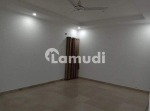 800 Square Feet Flat Is Available For Rent