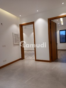 10 MARLA BRAND NEW LAVISH HOUSE FOR SALE IN DHA PHASE5