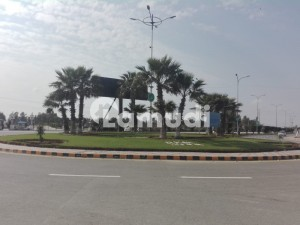 1 Kanal Plot available for sale in central park A block