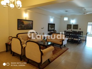 Beautiful Fully Furnished 3 Bedrooms Corner Apartment