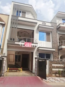 Double Story Beautifully Designed Well Constructed 5 Marla double Story house Available for Sale in Airport housing