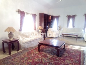 Ground Portion For Rent In F8